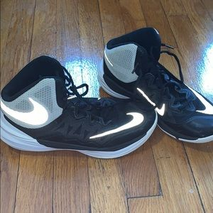 Nike Shoes - Nike unisex basketball sneakers